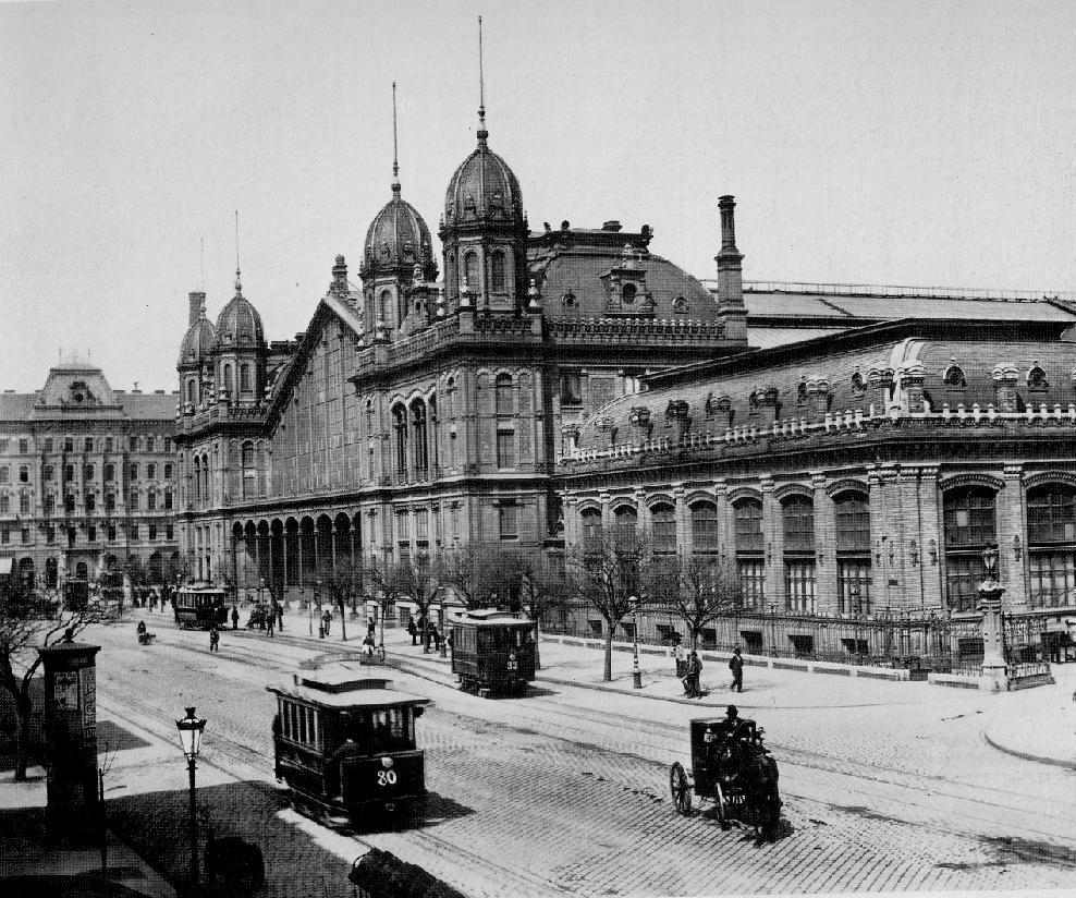 Budapest Nyugati station in the 19th century.jpg