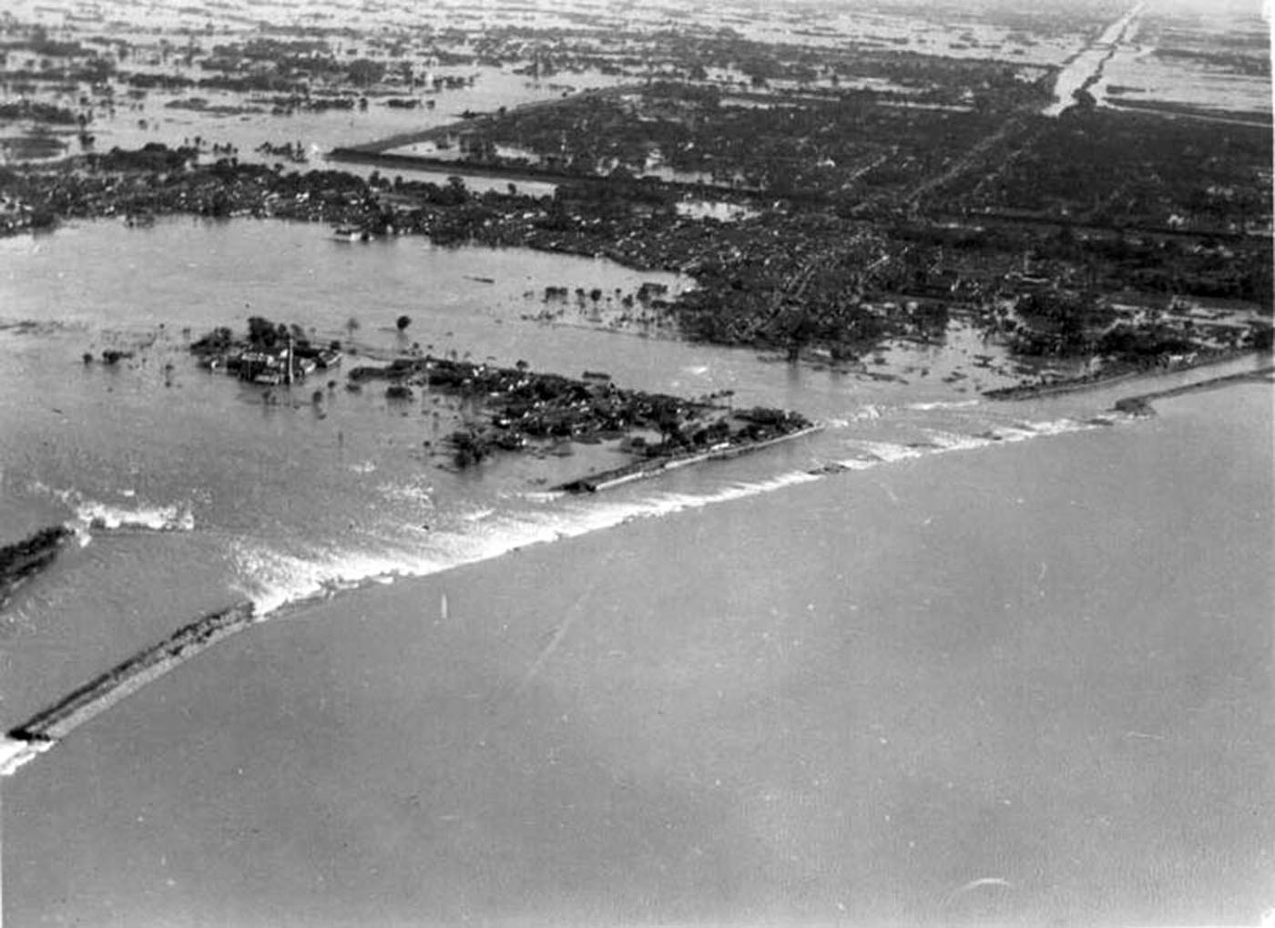 Aerial_view_of_the_flood.jpg
