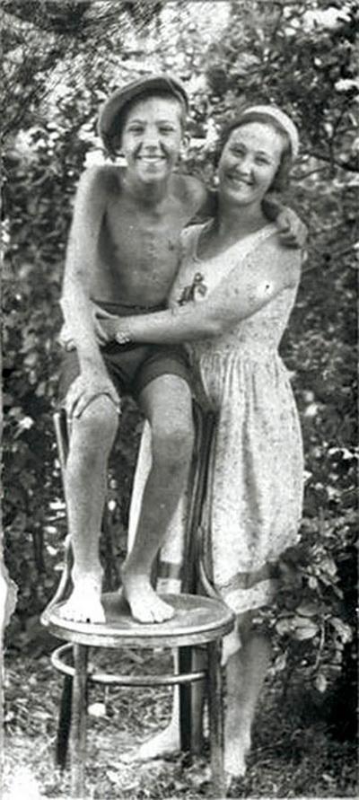 Юрий Никулин с мамой
