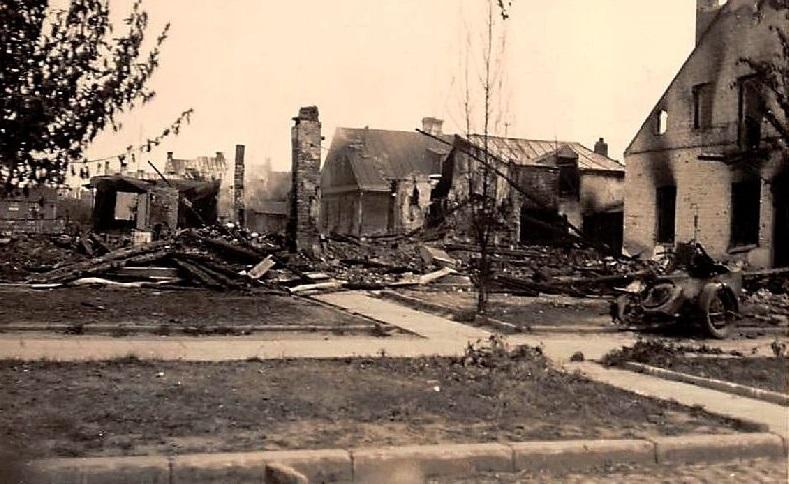Разрушения внутри крепости.