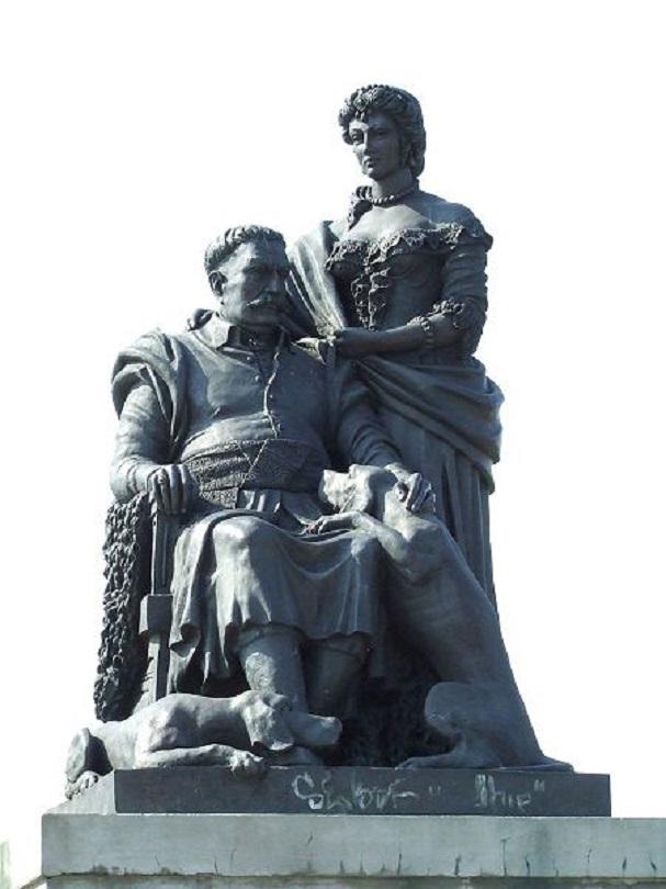 фото 6 Памятник Яну III и Марысеньке в Виланово (2007).jpg