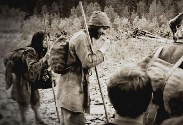 Агафья и Дмитрий Лыковы.