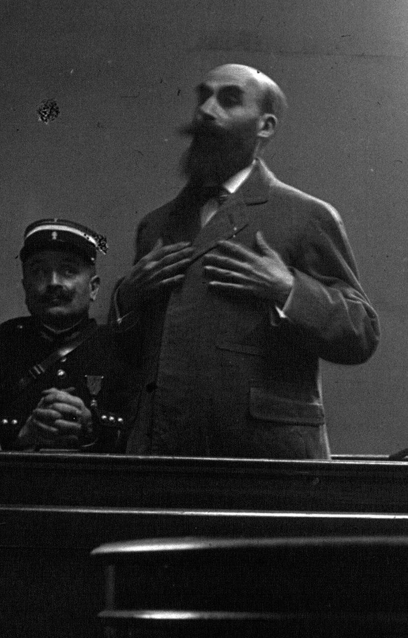 Анри Ландрю на судебном заседании.