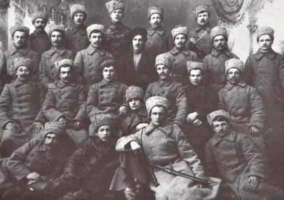 Члены Союза фронтовиков, ударная сила восстания.<br>