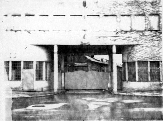 Вход на фабрику Шиндлера в Кракове.jpg