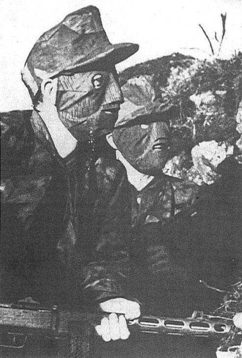 Бойцы особого батальона СС «Дирлевангер» вовремя рейда.