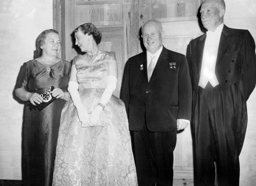 Анекдотичные случаи во время встреч советских и американских лидеров