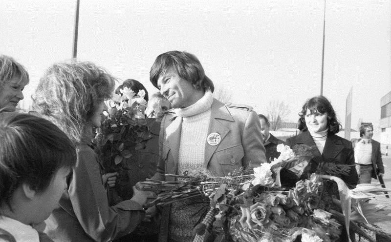 Дин Рид с поклонницами, Берлин. <br>