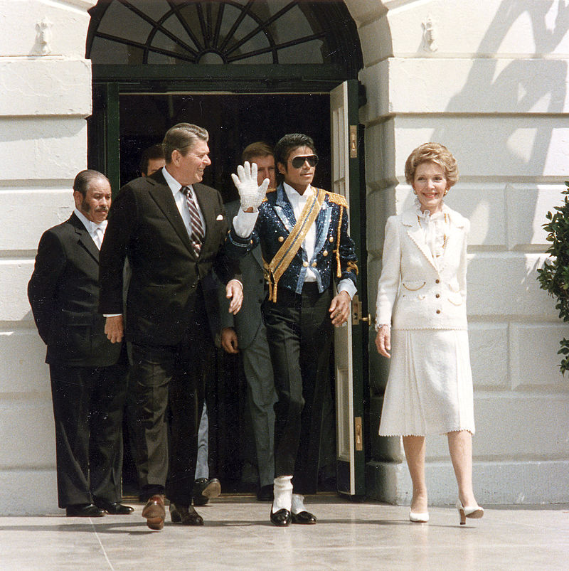 Michael_Jackson_with_the_Reagans.jpg