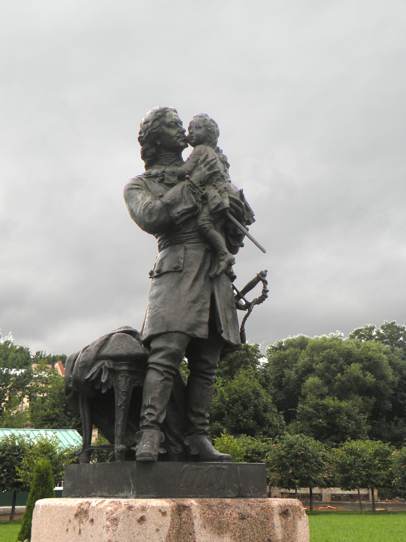 Памятник Петру I иЛюдовикуXV вПетергофе. <br>