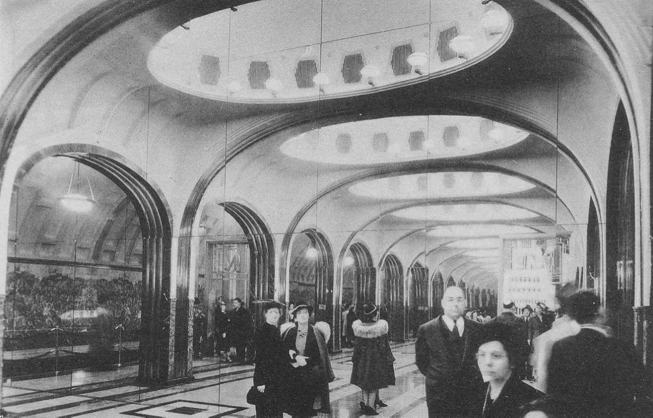 Отсек станции «Маяковская» на выставке.