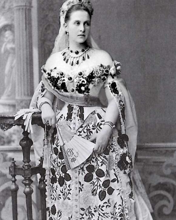 Королева-консорт Греции Ольга Константиновна.