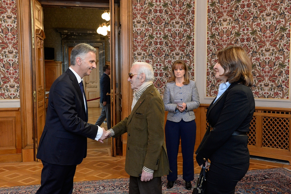 14.Charles-Aznavour-participated-in-the-reception-of-the-President-of-Swizerland-20.01.2014.jpg