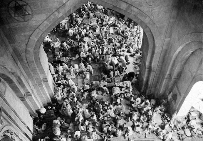 Беженцы укрывались в госучреждениях имузеях. 1947 год