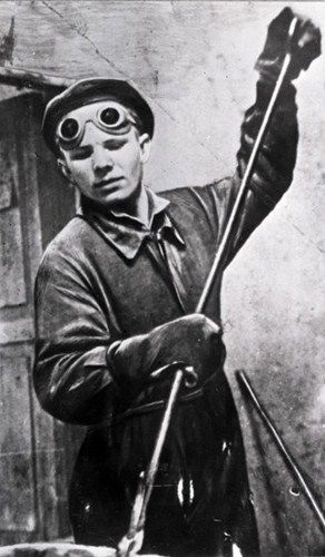 12 as a student of the Lyubertsy Technical School 10 at his practical training as a steel worker. 1951..jpg
