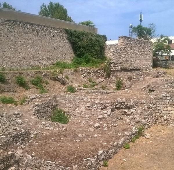 Руины крепости Кадмея.