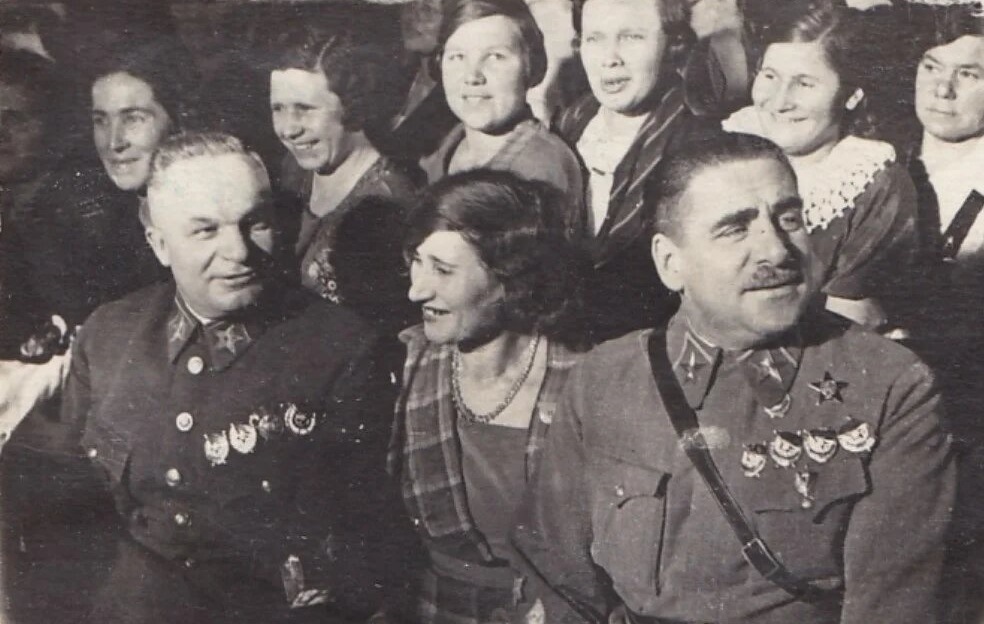 Егоров и Блюхер.