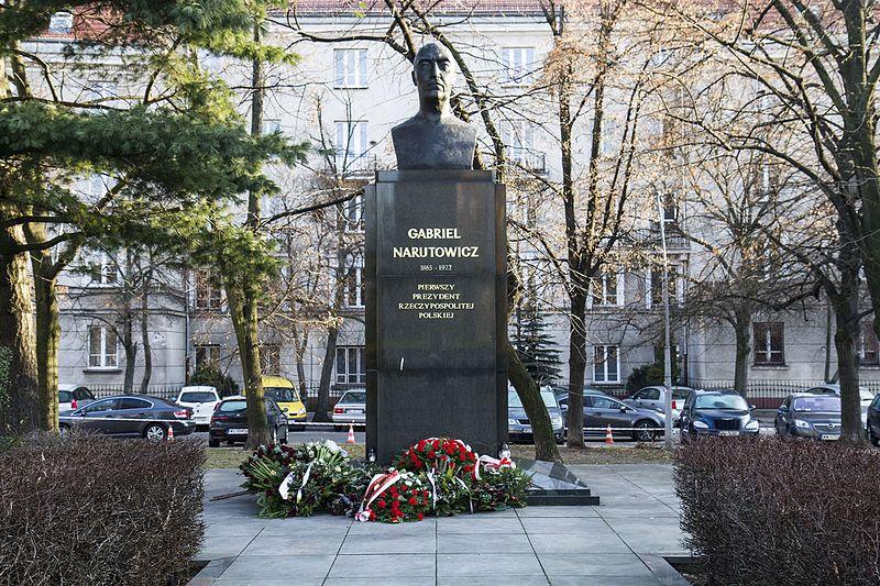 Памятник Нарутовичу в Варшаве. Источник: commons.wikimedia.org