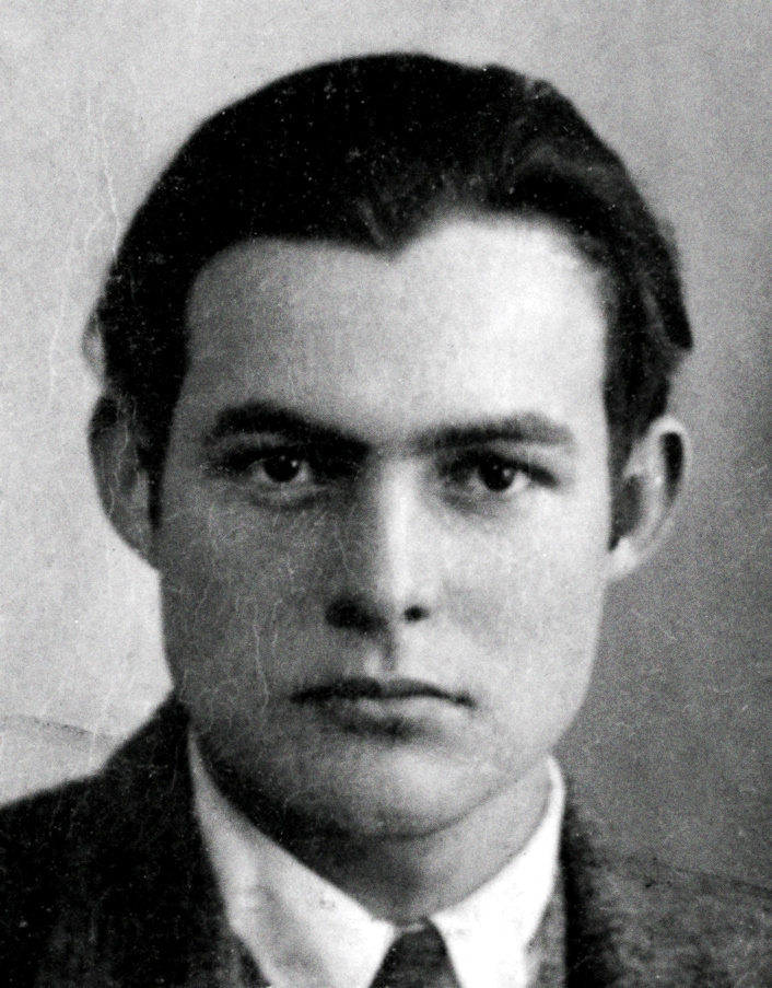 Ernest Hemingway's 1923 passport photo.jpg