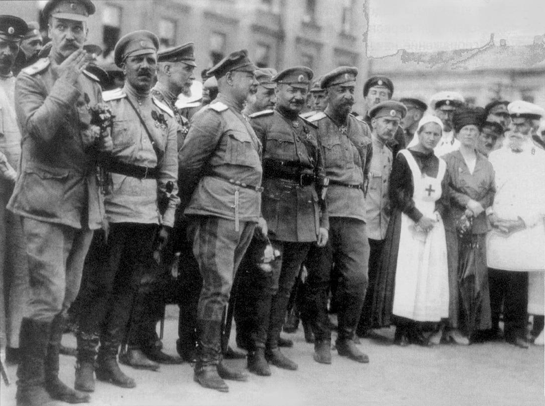 Командование белых в Харькове, июнь 1919.