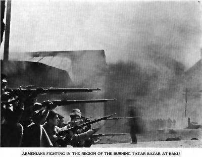Вооруженные армяне в раионе сожженного азербаиджанского (татарского по тогдашнеи терминологии) базара. Баку март 1918.png