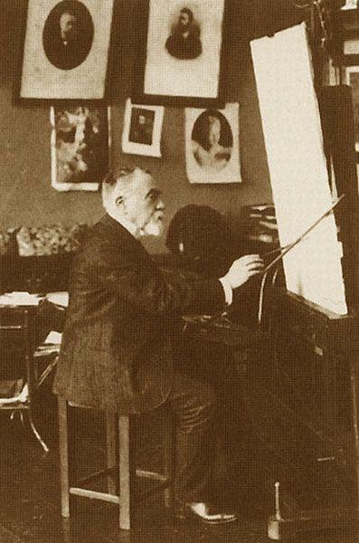 Василий Поленов перед мольбертом, фото 1897 года..jpg
