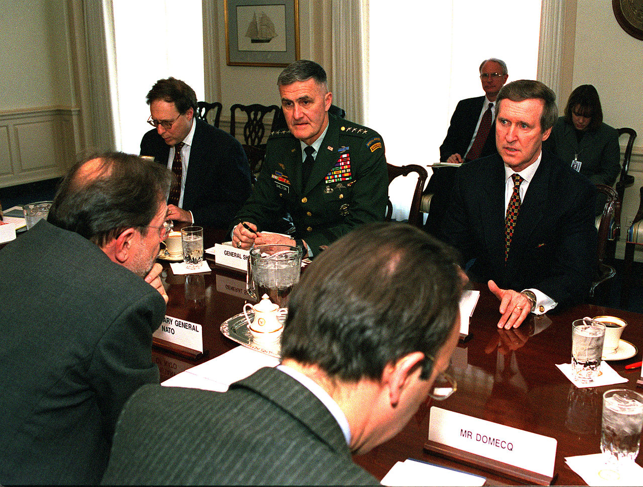 1280px-Pentagon_meeting_March_15_1999,_990315-D-9880W-016.jpg