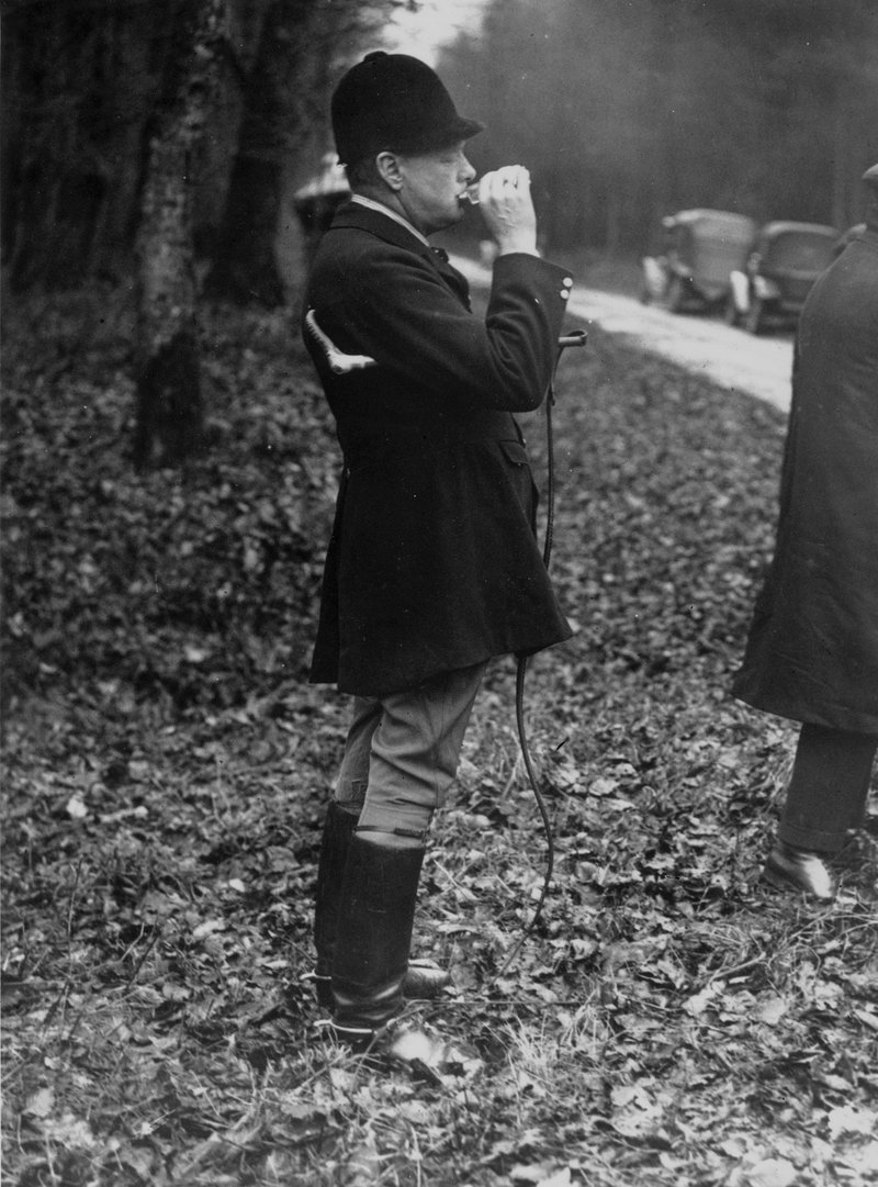Молодой Черчилль на охоте. <br>