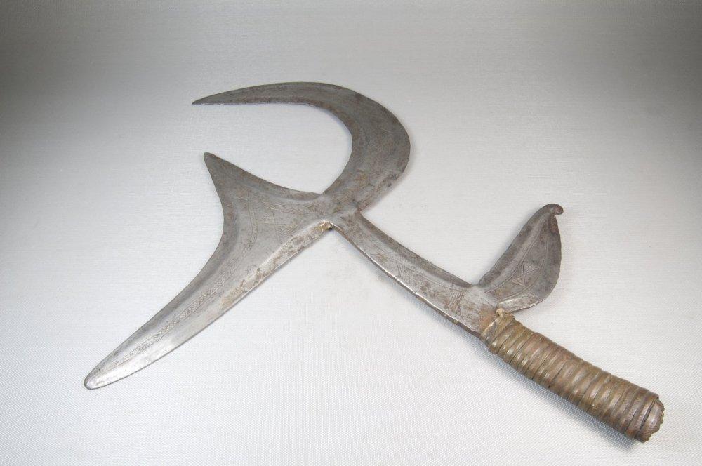 Фото 4. Центрально-африканский метательный нож.jpg