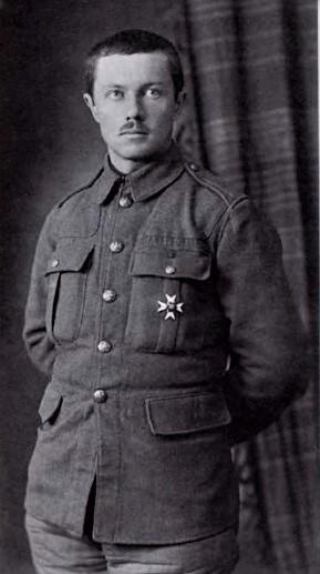 Начальник штаба Молчанова, полковник А. Г. Ефимов. <br>