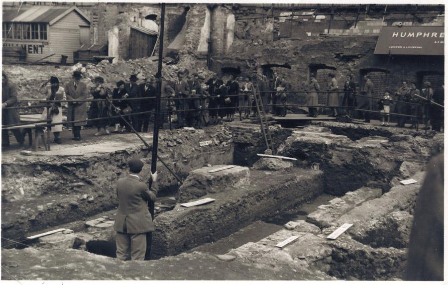 Раскопки в 1954 году. <br>
