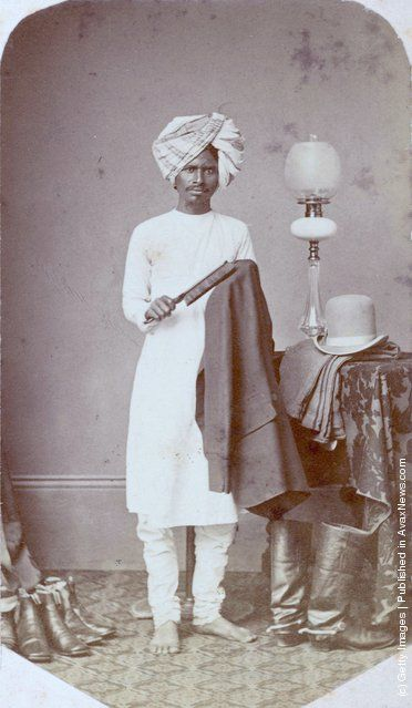 10 A valet in India circa 1870.jpg