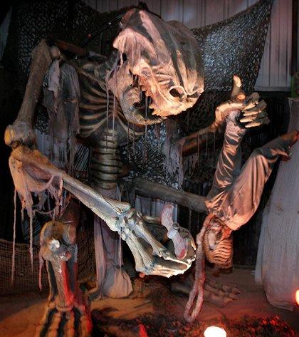 Фильмы ужасов про монстров