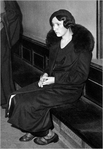 Виолетта Нозьер под стражей.  Источник: nytimes.com