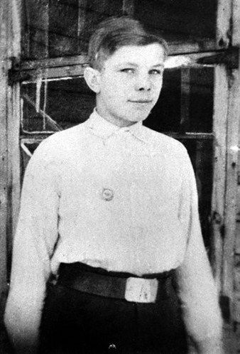 as a schoolboy in his native town of Gzhatsk. Late 1940s..jpg