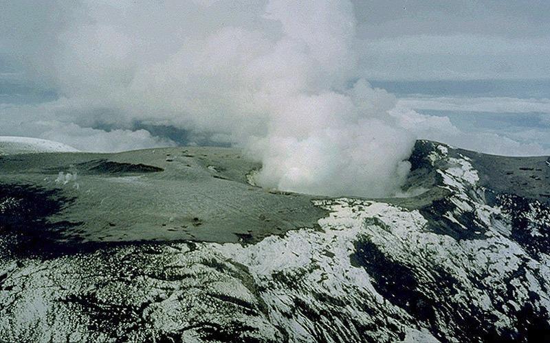 Вершина вулкана Руис в конце ноября 1985 года.