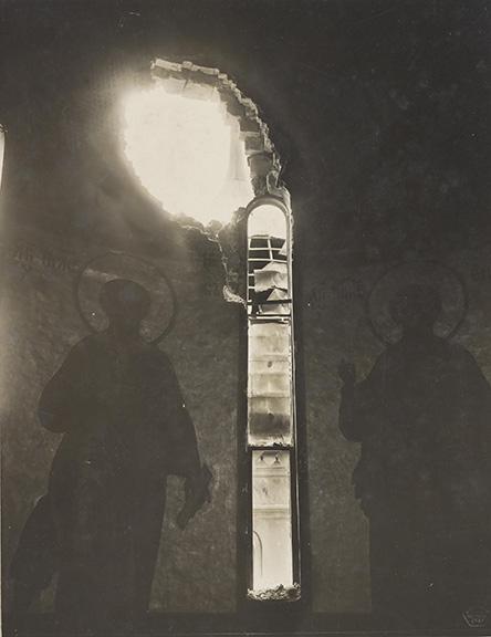 5 Пробоина в центральном барабане Успенского собора.jpg