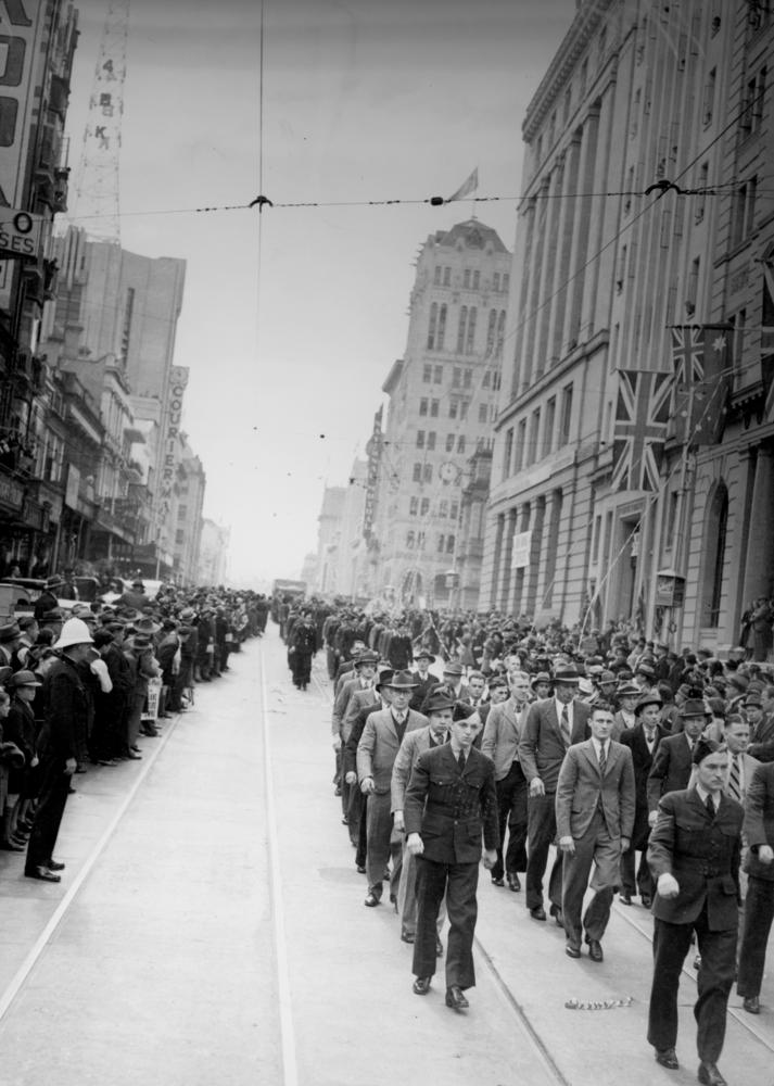 Royal Australian Air Force recruits marching along Queen Street, August 1940.jpg