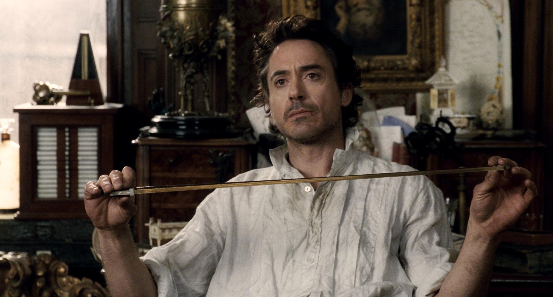 6. Роберт Дауни-младший в роли Холмса.jpg