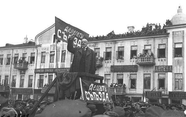 Михаил Родзянко на митинге.