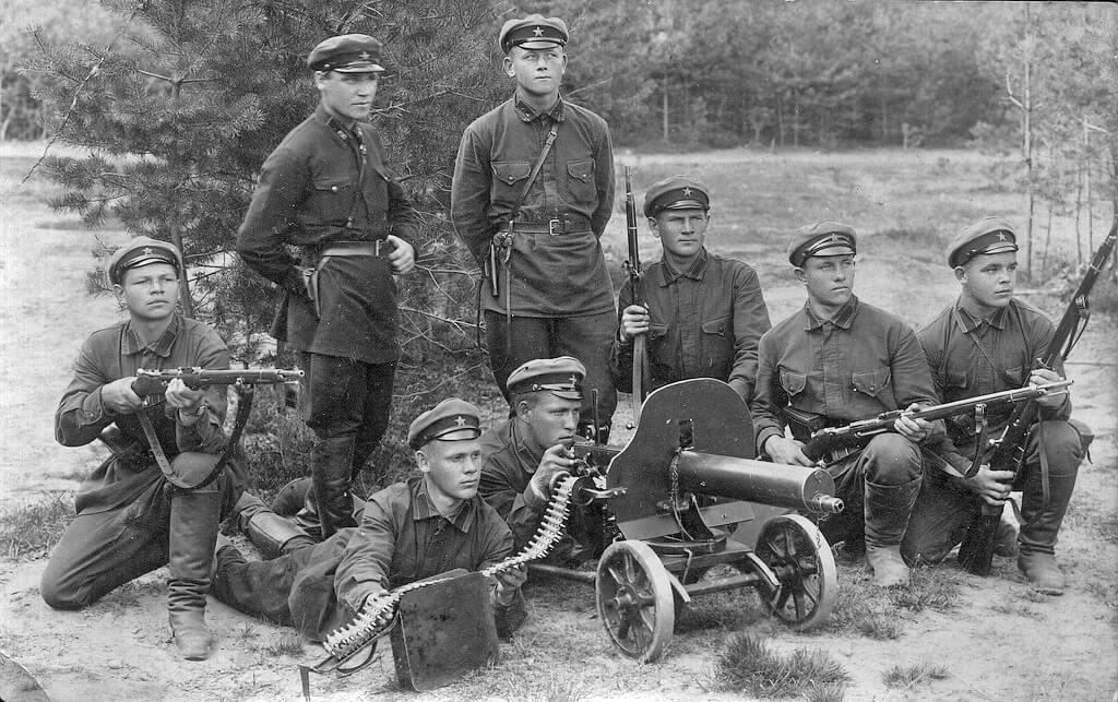 Командиры и бойцы РККА, 1930г.